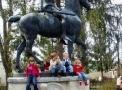 szobor-gyerekekkel